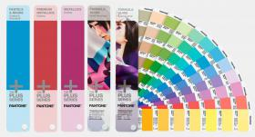 Pantone® Plus Solid Guide Set